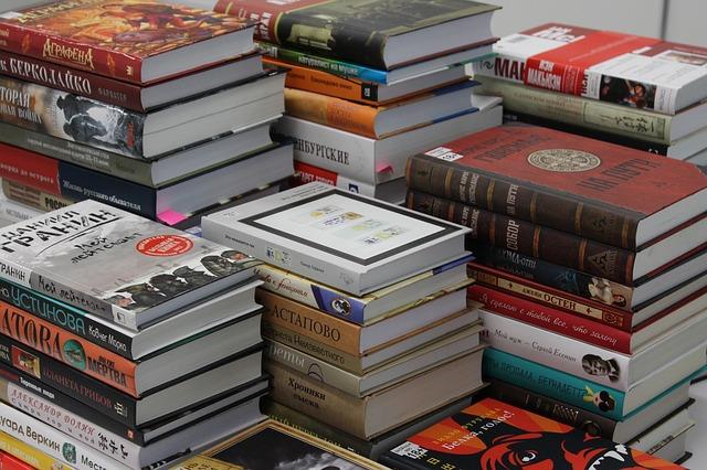 Edición y maquetación books-922321_640